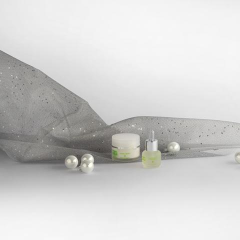 HYDRA KIT MINI Illuminating Hydra Serum: siero idratante, 15ml Hydra Cream: crema idratante, 30ml